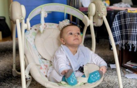 הפריט שכל אמא טרייה צריכה שיהיה לה בבית: טרמפולינה לתינוק